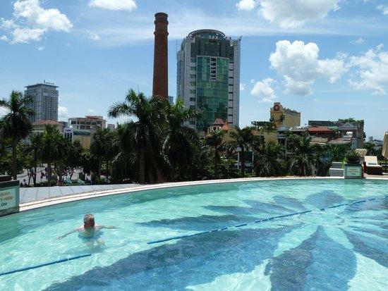 Pullman Hanoi: Hotel pool