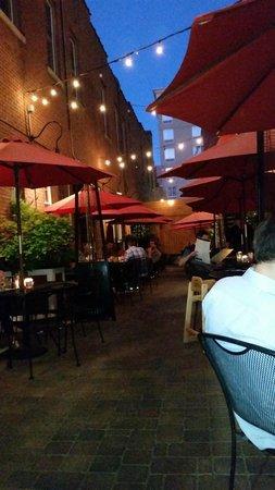 City Cafe: outdoor patio