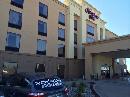 Hampton Inn Hays-North of I-70: Great hotel right off the highway