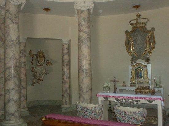 Villa Lattanzi: Chiesa della villa