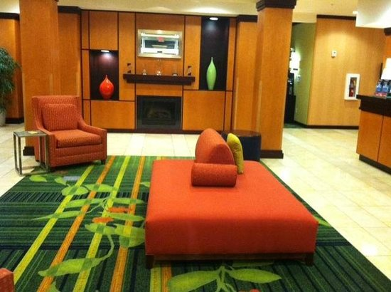 Fairfield Inn & Suites Chattanooga I-24/Lookout Mountain : Fairfield Lobby