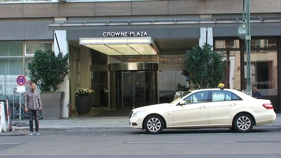 Hotel Crowne Plaza Berlin City Centre : Hotel entrance