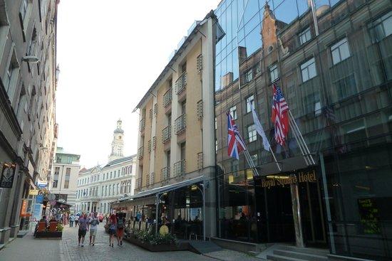 Royal Square Hotel & Suites: zentrale lage