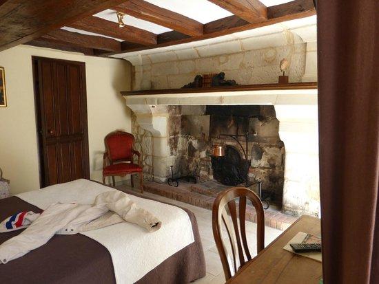 Logis Manoir de la Giraudiere: Room 1
