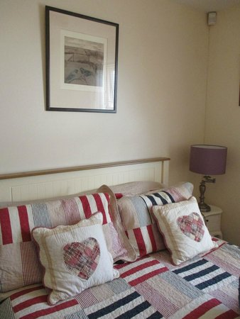 Doll's Cottage Bed & Breakfast: INTERNO CAMERA