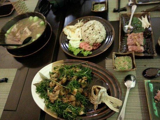 Shan Yoe Yar: Sumptous spread!