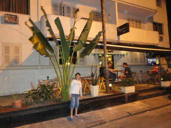 Hotel Angrense: Vista desde la calle