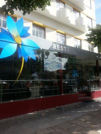 Frente Do Restaurante Fotograf A De Restaurante Herminia