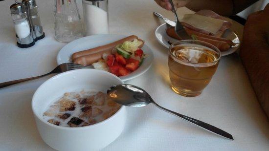 Hotel Praga 1885: завтрак (1 заход)