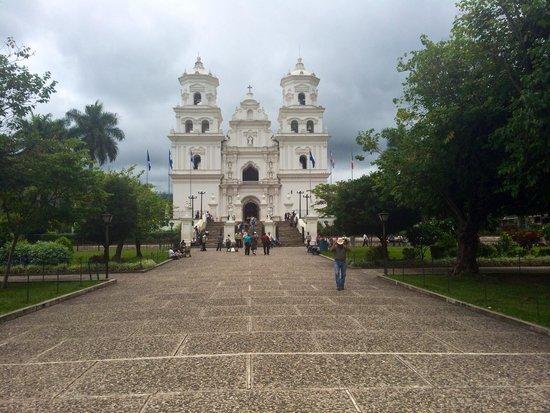 เอสควิพูลัส, กัวเตมาลา: Iglesia del Cristo negro de Esquipulas