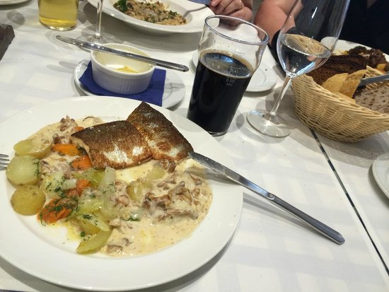 Restaurant Suomenlinnan Panimo: Fish dish of the day and home brewing beer