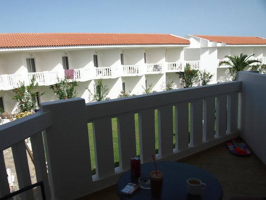 Chryssana Beach Hotel : the view from our balcony