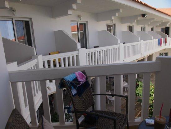 Chryssana Beach Hotel : no privacy!