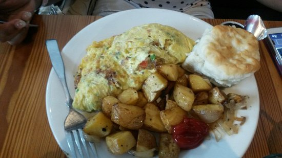 West Egg Cafe: Pimento Cheese Omelet