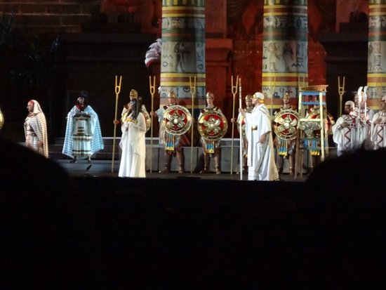 Teatro Romano: アイーダ上演