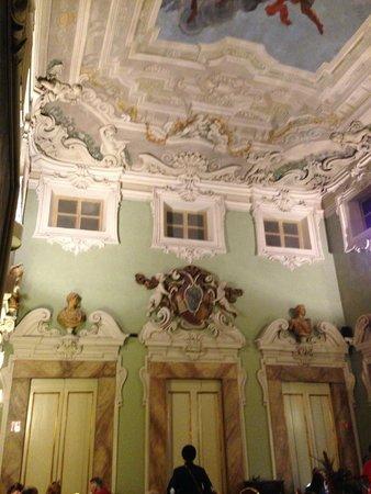 B4 Astoria Firenze : Beautiful room where breakfast is served.