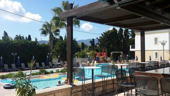 Aegean Houses: pool area