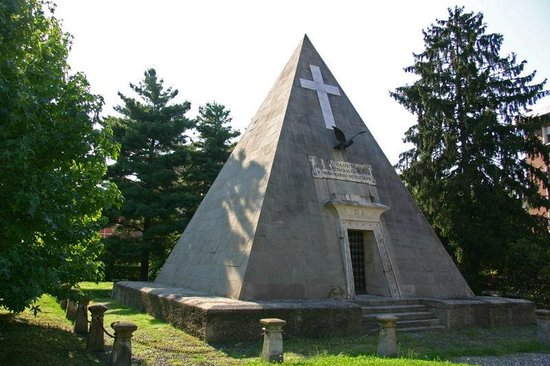 The Novara Pyramid