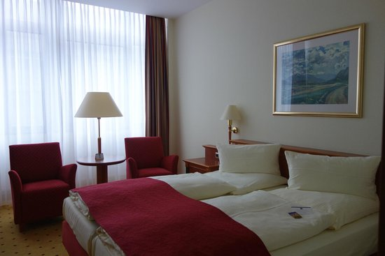 Hotel Steglitz International: Room. from Colour Tour Georgia