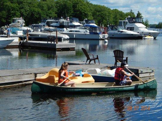 Sunnylea Resort: Boating