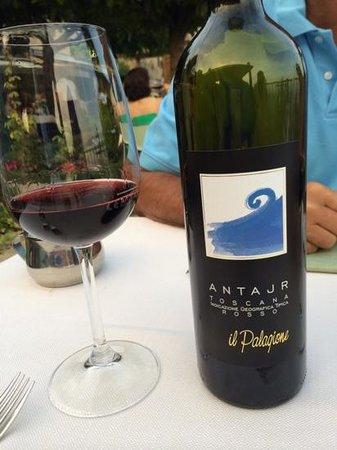 Le Vecchie Mura: wine is fine!