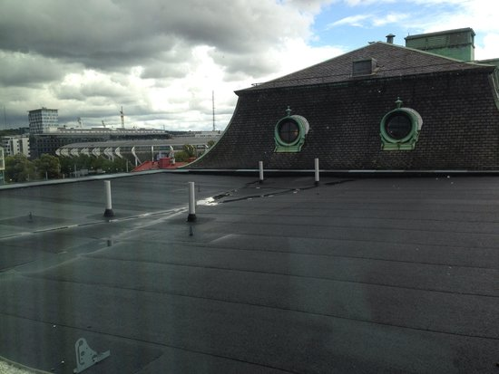 Clarion Hotel Post : Roof view from my room on the 6th floor