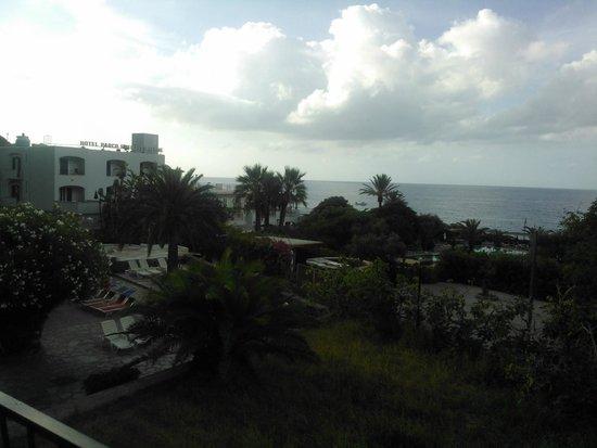Hotel La Mandorla: Вид из с балкона (налево)
