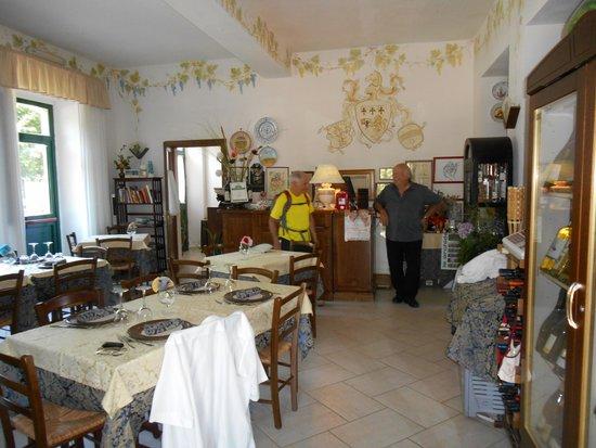 I Tre Rioni : Dining room