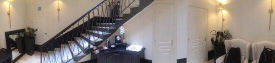 Profumo Maison d'Hôtes: Lower Lobby