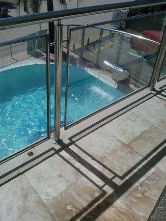 Maritim: piscine de l'hôtel vue de la terrasse