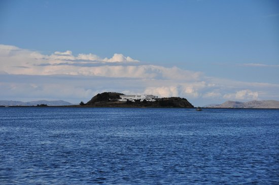 Libertador Lake Titicaca: View of the hotel from Puno city