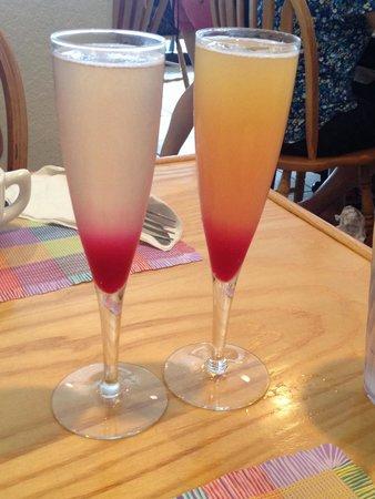 Yummies Bistro: Prickly pear & tropical mimosas