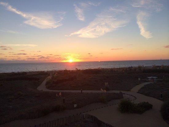Pierre & Vacances Résidence Bleu Marine : Magnifque coucher de soleil