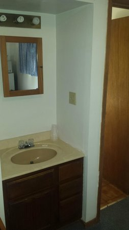 The Bay Motel: Sink outside the bathroom