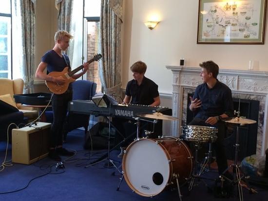 The Court Restaurant : Sunday jazz session