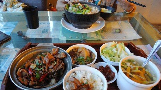 Houshan Chuanqishandi Restaurant