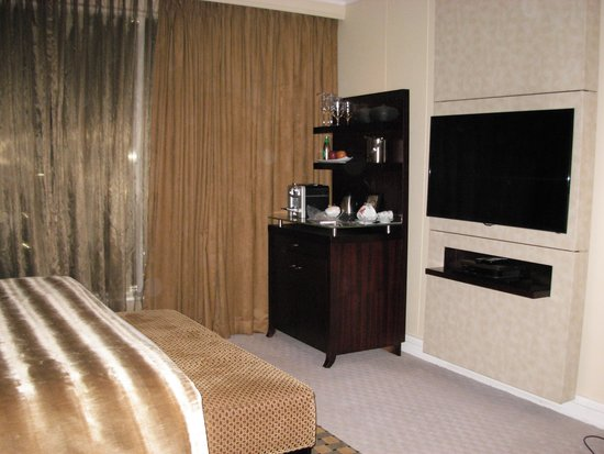 InterContinental Johannesburg OR Tambo Airport : Hotel Rm 1