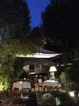 Le Clos du Cèdre : La terrasse