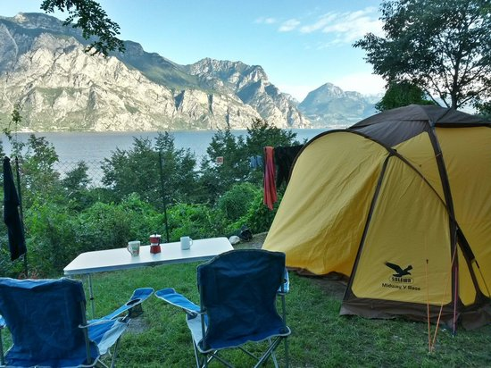 Camping Alpino: Coffee.  In the morning.  Still questions?