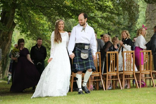 Altskeith Country House: Married!