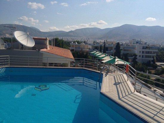 Emmantina Hotel: Pool and Rooftop bar area