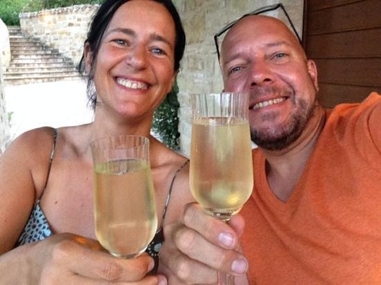 Borgo Belvederi: Salute dalle Marche!