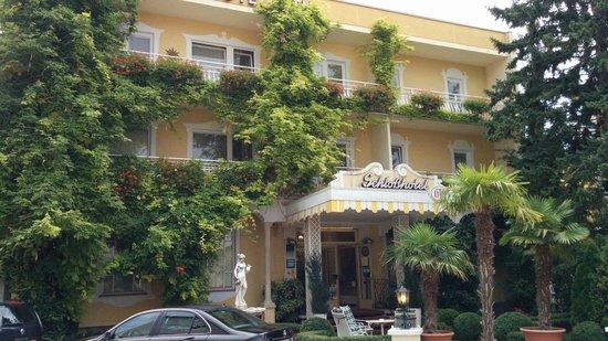 Austria Classic Schlosshotel Oth : hotel eingang