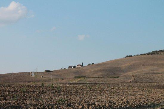 Vista del Poggio tobruk da lontano