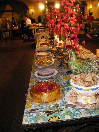 Albergo Terme La Reginella: il tavolo dei dolci