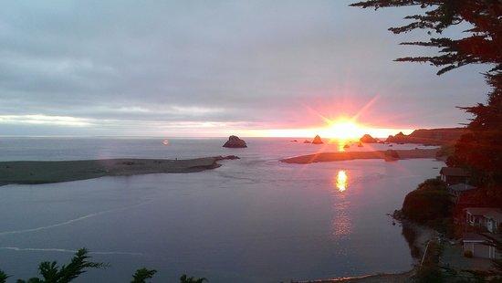 River's End Restaurant: Sun Setting @ River's End