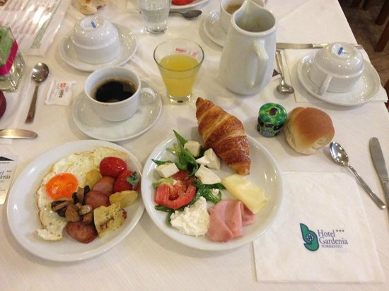 Comfort Hotel Gardenia Sorrento Coast: Breakfast