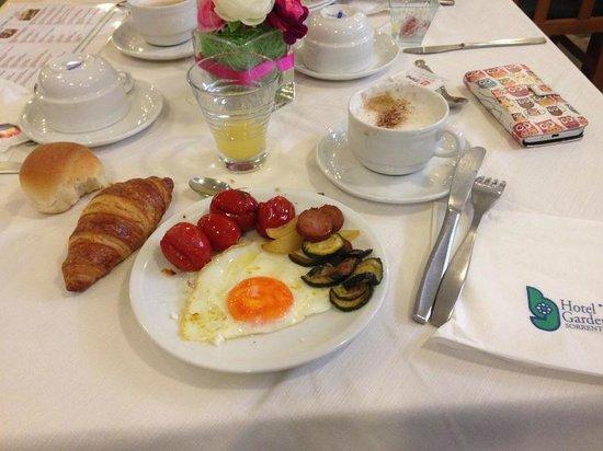 Comfort Hotel Gardenia Sorrento Coast : Breakfast