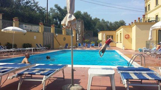 Hotel Villa Igea: Vietato tuffarsi!!!