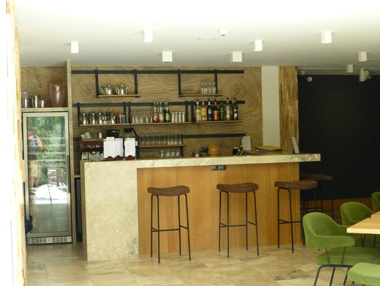 Hotel Dominique Colonna : the Bar and entrance on the left to the breakfast bffet